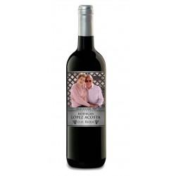 "Etiqueta una botella de vino ""BODEGAS APELLIDOS"""