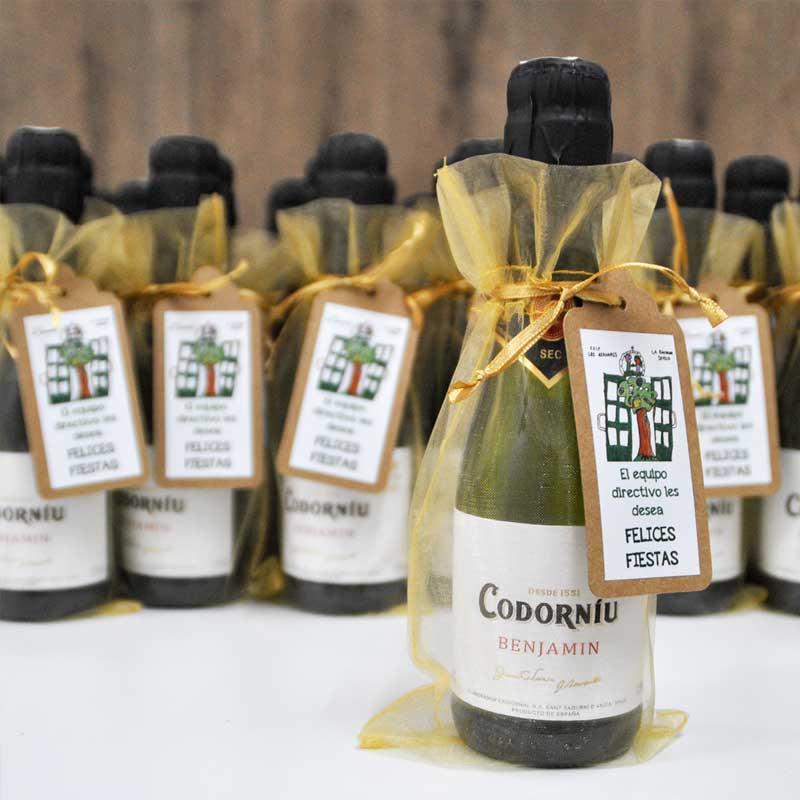 Botellas Benjamin de Cava Codorniu como detalle de Navidad