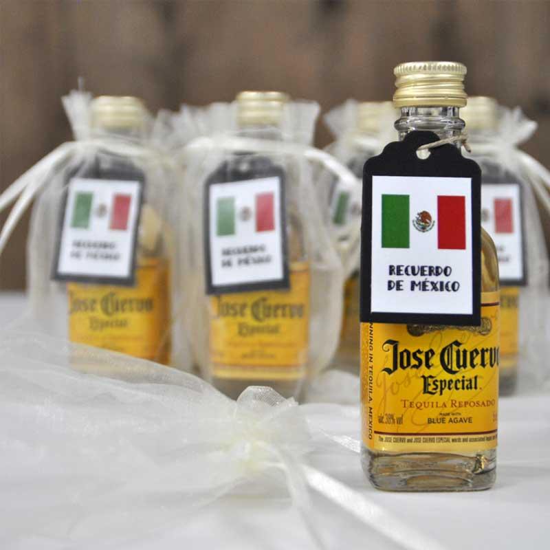 Mini botellas de tequila Cuervo personalizadas