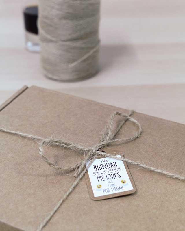 Cajita con licores personalizados para felicitar el Día del Padre